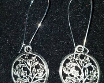 Boutique Silver Alloy ...Lovely Floral Circle Earrings  #C64