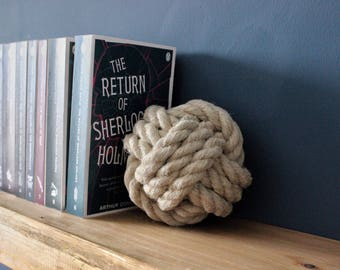 Bookends, Natural Rope Monkey Fist Knot