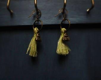 Pompoms Buddha earrings
