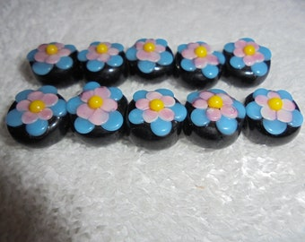 Adorable flower beads