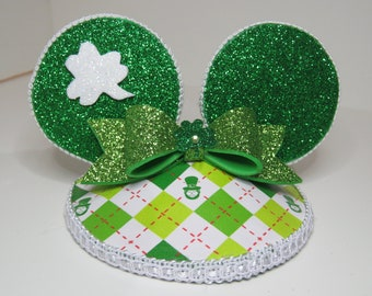 St. Patricks day mouse ears fascinator hat.