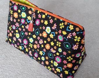 Beautiful cosmetic bag, culture bag, culture bag