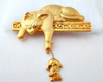 Cat and Mouse Vintage Pin Brooch - Cat Jewelry - JJ aka Jonette Jewelry - Cat Gift