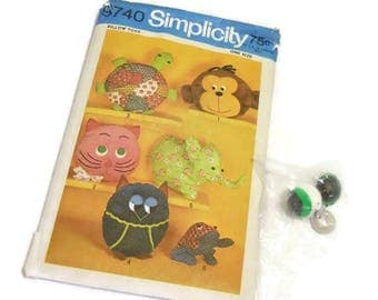 Simplicity Retro Pillow Toys Pattern | Vintage Pillow Toys or Pajama Bags Pattern | Frog's Google Eyes Included
