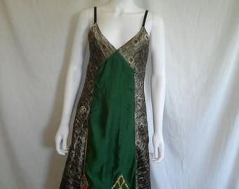 Closing Shop 40%off SALE 90s rayon ethnic dress, Made in India, Size Medium Dress