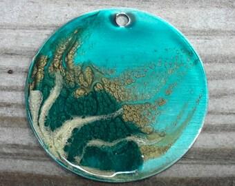 Ethereal big round pendant