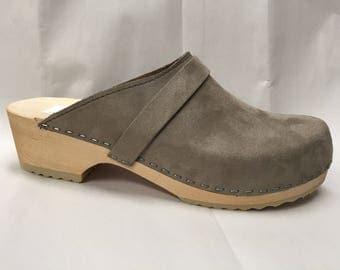 Grey Glocked Suede classic Low heel clog