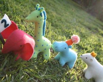 The whole parade : elephant pattern, hippo pattern, bear pattern, plush pdf pattern, giraffe pattern, hippo softie, elephant pattern