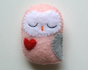 Owl Brooch Owl Felt Brooch Owl Felt Pin Handmade Gift for Her Owl Fashion Accessory Pastel Pink Grey Owl Stuffed Animal Owl Gift for Girls