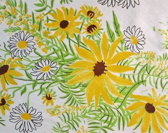 Vintage Vera Round Tablecloth Black Eyed Susan Shasta Daisies Floral Table Cloth Yellow Kitchen Linens Vintage Linens