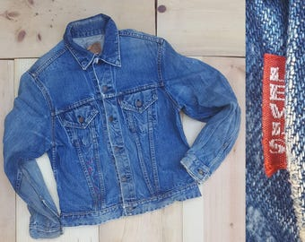 Vintage Denim Jacket  //  Vtg 60s LEVI'S Distressed Faded BIG E Single Stitch Indigo Denim Jacket with Embroidery