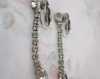 ON SALE vintage prong set rhinestone dangling earrings - j5541