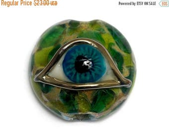 ON SALE 30% off Glass Lampwork Bead - Green Eyed Lentil Focal Bead 11830502