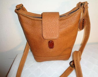 Kazuri Kenya  bison leather smaller shoulder bag, tote, top zip, cross body purse  vintage 80s awesome condition