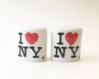NY Salt and pepper shakers Heart shakers I love New york Souvenir Travel souvenir
