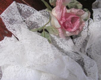 What a Deal...20 Yards White Vintage Lace....Old Fashion Looking,