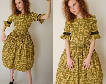 SALE 25% off sundays 50s Dolly Dress Vintage 50s Olive Buttercup Diamond Garden Party Day Dress (xs s)