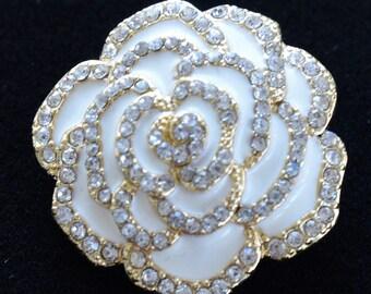 White Enamel Floral Rose Brooch, Rhinestone, Gold tone (B10)
