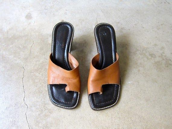 Brown Leather Mules Sandals Vintage Donald Pliner 90s Peep Toe Pumps Minimal Slip Ons Chunky Heels Mules Flip Flops Womens 9 N