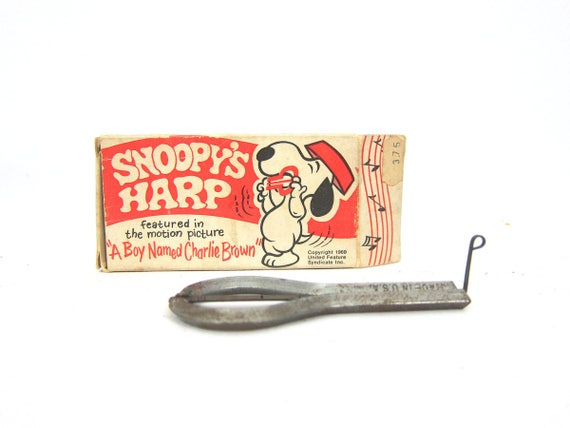 Vintage Snoopy Harp Peanuts A Boy Named Charlie Brown Collectible with Instructions 1969