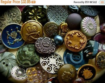 ONSALE 3 DOZEN Antique Renaissance Medieval Queen Victorian Game of Thrones Inspired Glass, Metal and Vintage Mixed Buttons Lot N0 716