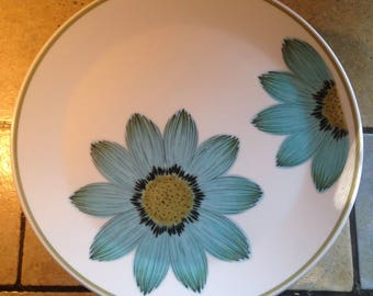 8 Blue Daisy Progression Dinner Plates by Nortake