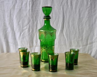 Emerald Green Decanter Set/Vintage 1960s/Glass Decanter and Glasses/Six Liqueur Shot Glasses/Hollywood Regency Barware