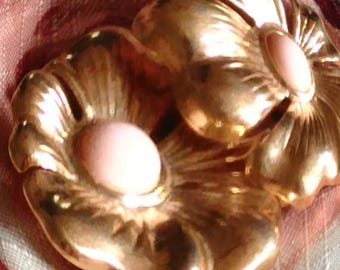 SALE Gold Tone Flower Clip On Earrings, Pale Pink Type plastic stone