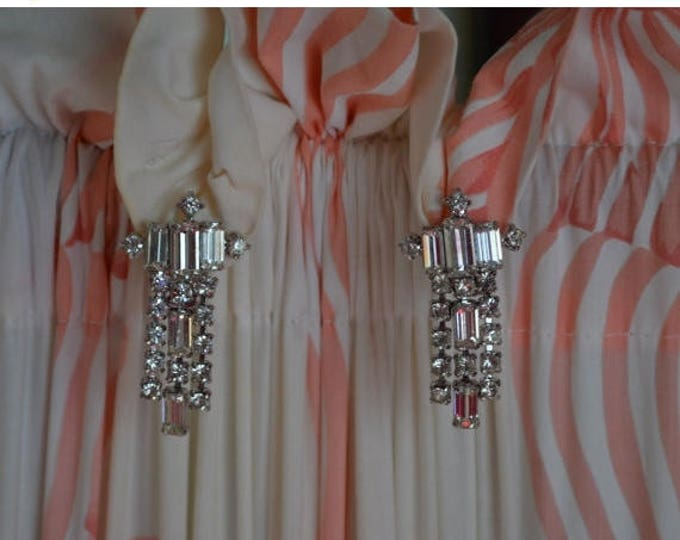 sale Vintage Earrings, Diamond Rhinestone Earrings, White Gold, Dangling Earrings, Drop Earrings, Bridal Earrings, Wedding Earrings,