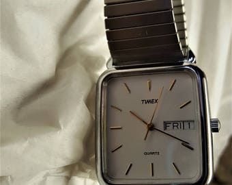 "Timex Watch Vintage Quartz 395 LA Cell from the 1970s Mens Wrist Watch Expandable Day Date Face 1 2/8"" Square A Beauty"