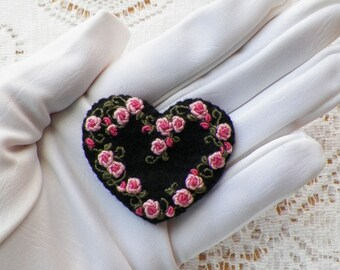 Black Felt Heart / Heart Shaped Brooch / Pin / Broach, Embroidered Pink Roses / Rose Buds, Valentines Day, Embroidery, Handmade, Rose Garden