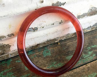 Vintage Asian red Cranberry Peking Glass bangle bracelet