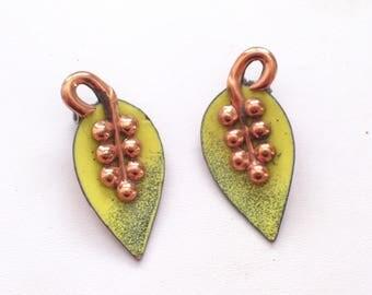 Rame' Earrings, Vintage RAME' Enamel Copper Leaf Clip Earrings, Copper Earrings, Leaf Jewelry, Chartreuse Enamel Earrings, Rame Copper