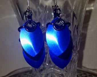 Scale Maille Earrings- Blue and Black