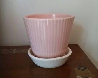 Vtg Shawnee Pottery Pink and White Ribbed Ceramic Flower Pot