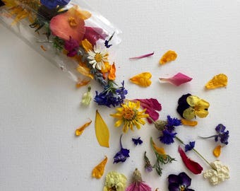 Dried Flower Wedding Confetti, Wedding Favor, Flower Girl, Biodegradable, Tossing Flowers, Wildflowers, Flower Petals, Dry Rose Petals, Real