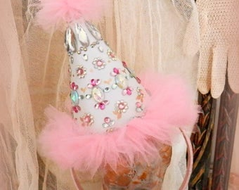 Les Bijoux. Party Hat Headband in Pink and White