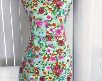 Memorial Day Sale 25% OFF Pretty Vintage Rayon Shift Dress by Honolulu's Made in Japan -- 1960's Size M-L