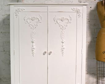 Armoire Painted Cottage Chic Shabby French Romantic Armoire/ Wardrobe AM226