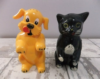 Vintage Salt and Pepper Shakers Dog and Cat Plastic Yellow and Black F & F Mold and Die Works Dayton Ohio Figural Figurines