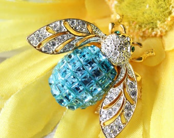 Vintage Rhinestone Bug Bee Brooch Jackie Orr