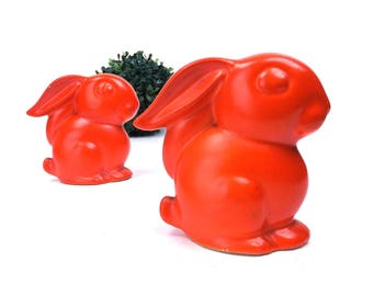 vintage 50s 60s ceramic bunny rabbit pair matching red orange bunnies sitting small little simple plain classic traditional home decor retro