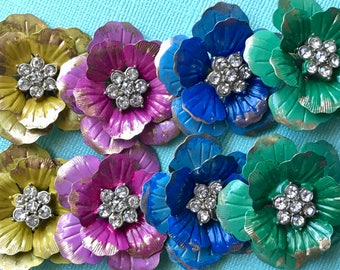 Vintage enamel flower pendants Rhinestone, Vintage Flower Power, Rhinestone Flowers, Shabby chic connectors, Statement jewelry, bling