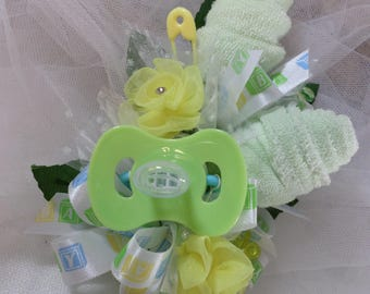 Green And Yellow Baby Shower Corsage - Pin On Floral Corsage - Pacifier and  Washcloths corsage - Baby Shower Items