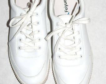 Sweet White Leather Feiyue Runners- Size 10 US/ 40 EU
