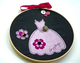 Dazzling Free Motion Stitched Applique Hoop Art.