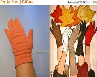 BI-ANNUAL SALE Gathering Up Leaves - Vintage 1950s Pumpkin Orange Over the  Wrist Gloves - 7