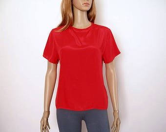 Vintage 1980s Red Blouse Short Sleeve Silky Polyester Keyhole Close Top / Small