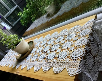 Vintage white cotton lace table runner doily houseware home decor, vases