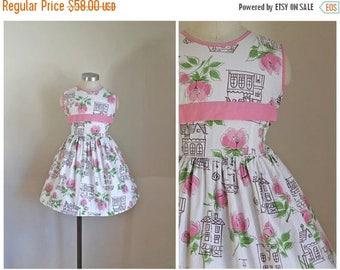 20% off SALE vintage 1950s little girl's dress - DOLL HOUSE novelty print dress / 7yr